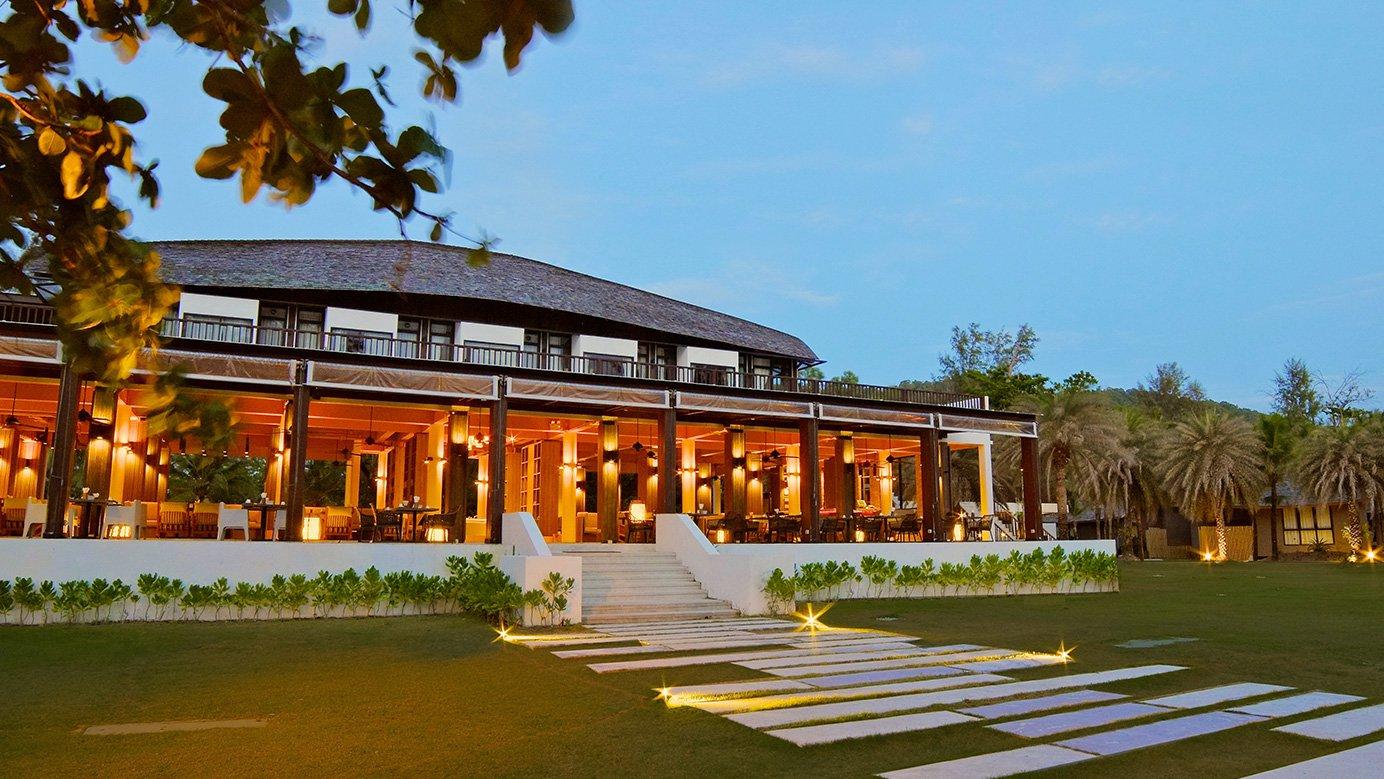 Twin Lotus Resort & Spa